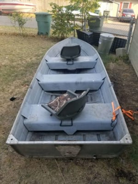 14ft aluminium boat  like this without swivel seats
